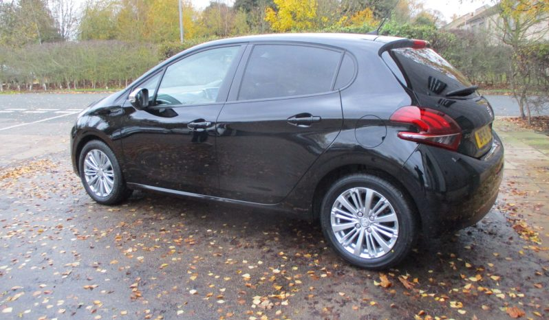 Peugeot 208 1.2 Puretech Signature 5DR Balance of Manufactures Warranty full